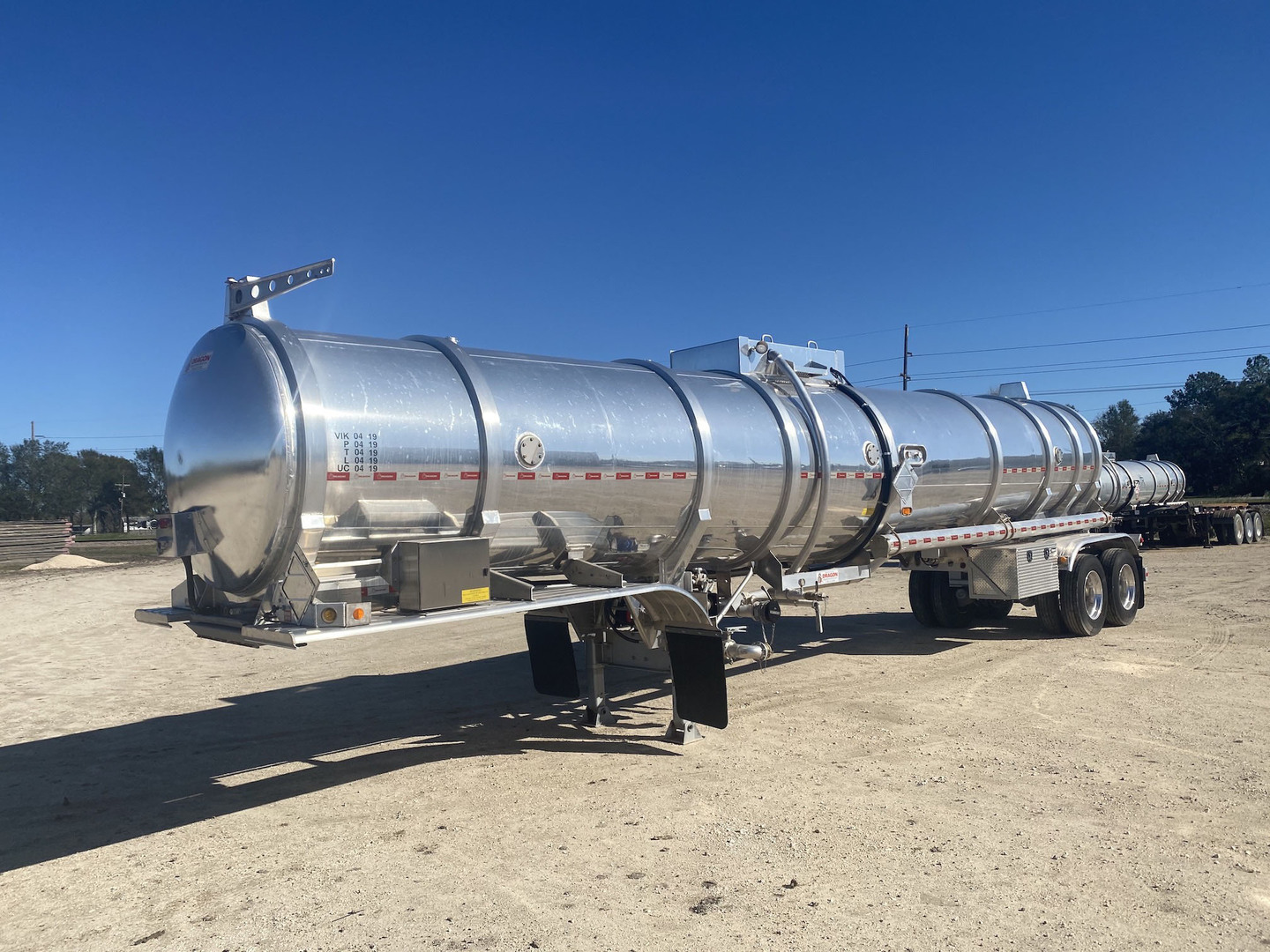 2020 Dragon 200 BBL T/A Aluminum Crude Oil Trailer