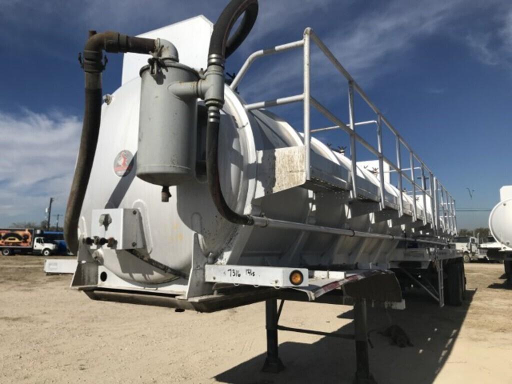 2012 Dragon 150 BBL Aluminum Vacuum Trailer