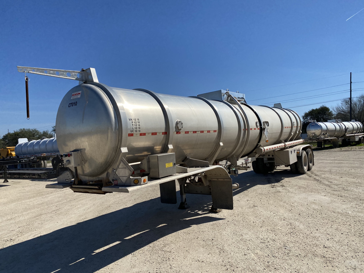 2019 Dragon 200 BBL T/A Aluminum Crude Oil Trailer