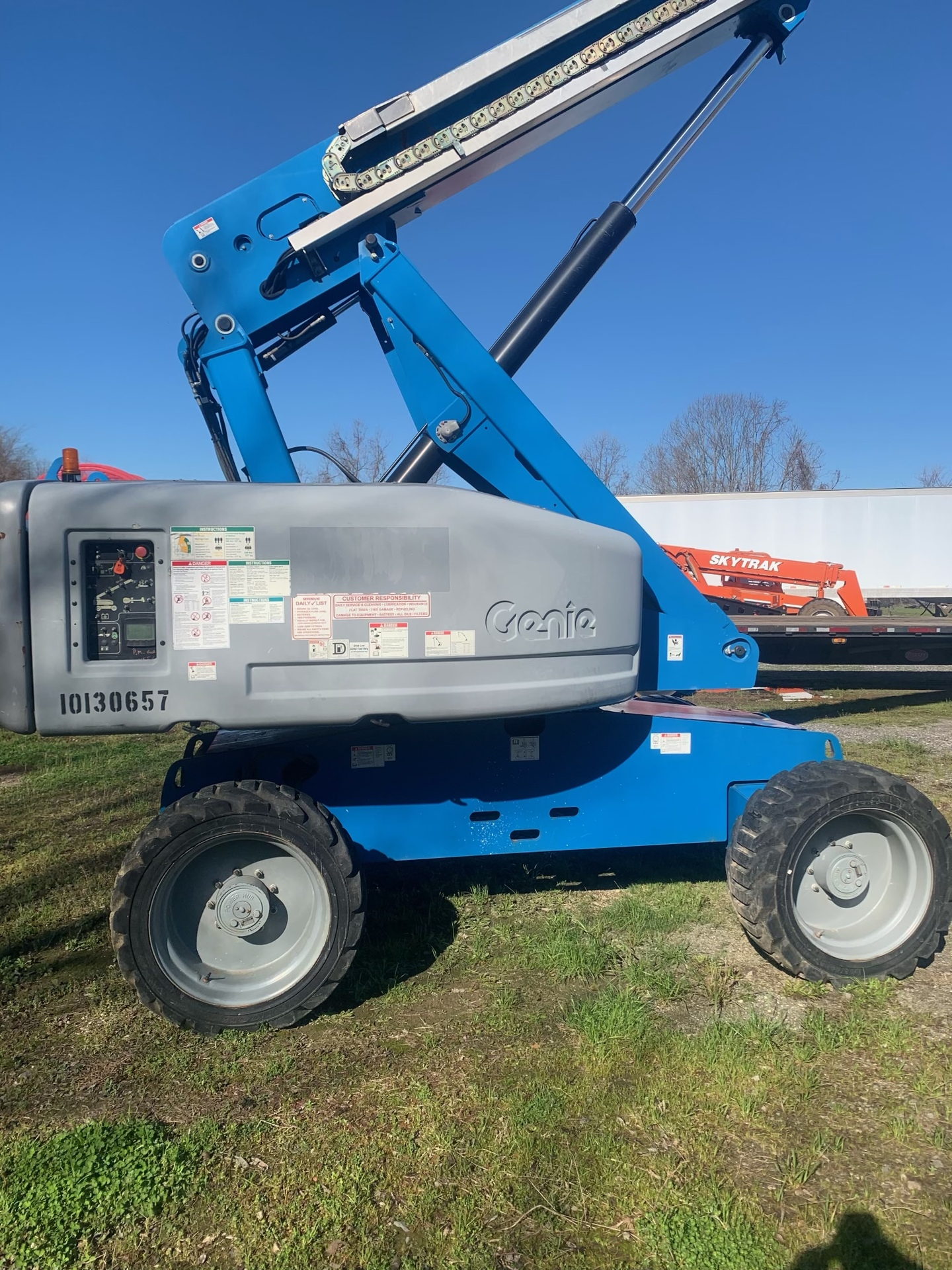 2013 Genie S60 Manlift